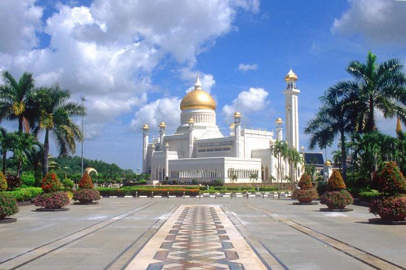 مسجد مصنوع بالذهب ادخل لترى و لن تصدق حيث الحقيقة تفوق الخيال 412.jpg